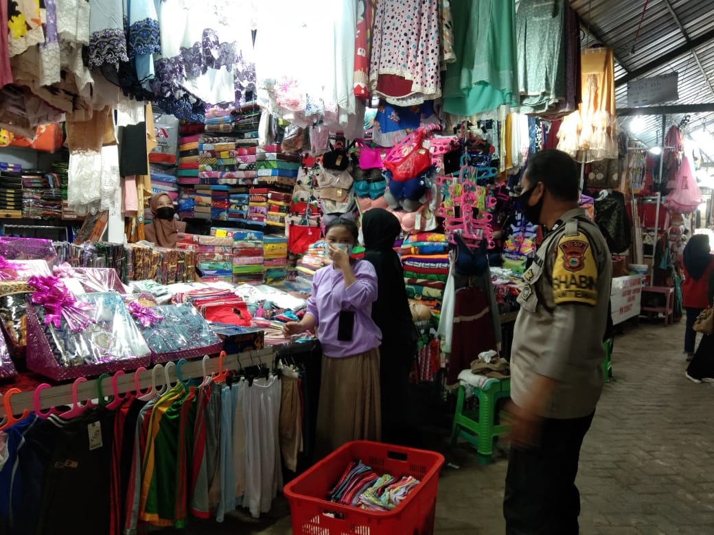 Bhabinkamtibmas Sungguminasa Laksanakan Kegiatan KRYD PPKM di Wilayah Binaannya